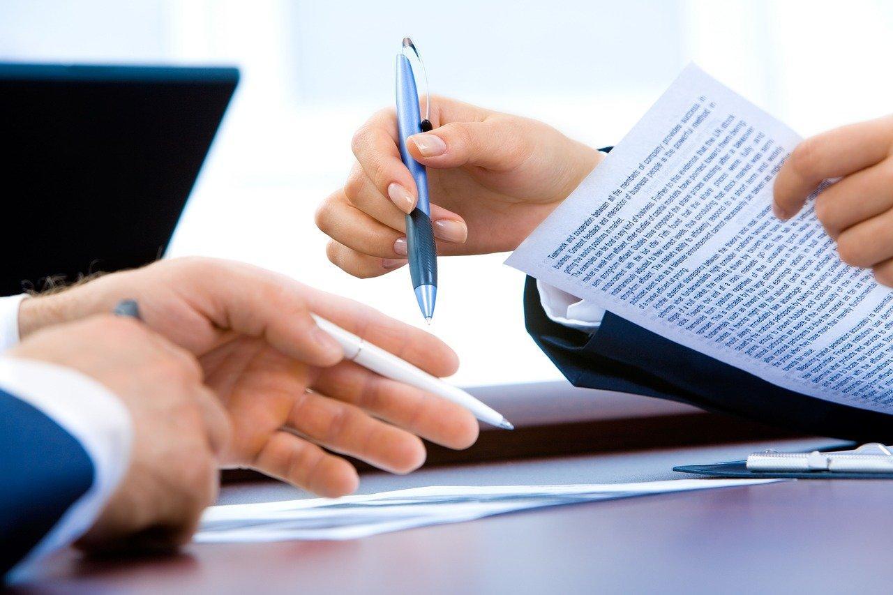 zdjęcie do Jakie są zalety ⭐ skorzystania ➡️ z pomocy kancelarii prawnej przy sprawdzaniu umowy deweloperskiej?➡️
