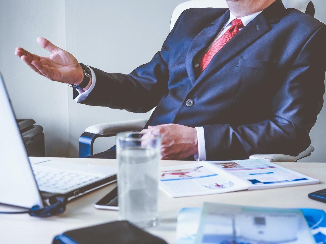 zdjęcie do Przeczytaj artykuł i dowiedz się, ➽ dlaczego warto oddać do analizy umowę ⭐ deweloperską prawnikowi.➽