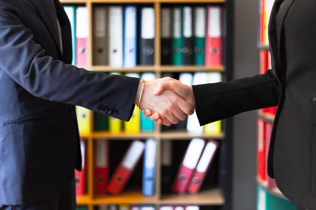 zdjęcie do Dlaczego warto skorzystać ⭐ z pomocy kancelarii ⭐ prawnej przy sprawdzaniu⭐ umowy deweloperskiej? W artykule znajdziesz odpowiedź.
