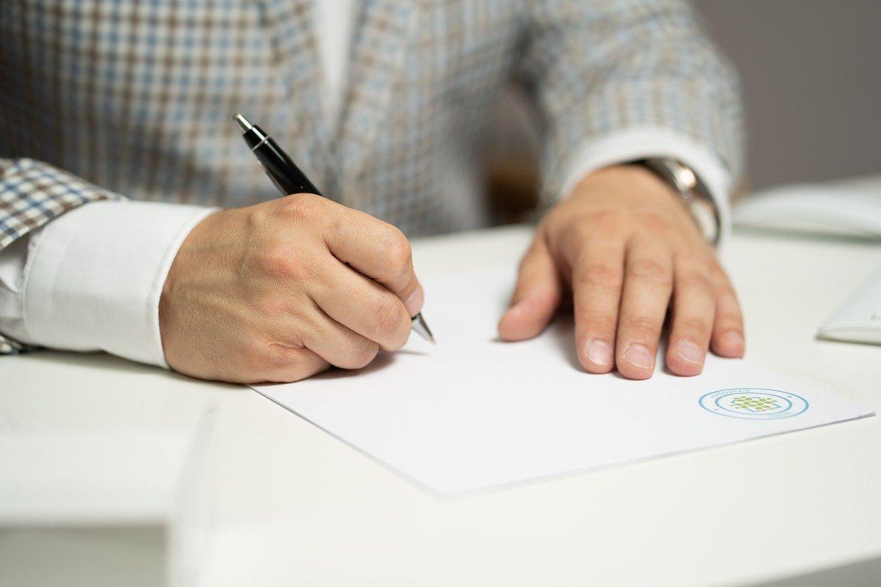zdjęcie do Pomocy kancelarii prawnej ➡️ przy sprawdzeniu umowy deweloperskiej?⭐ Poznaj zalety!⭐