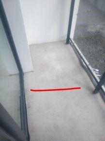 Brak spadku na balkonie