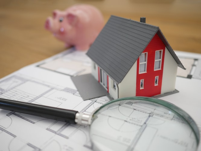 Dom należy sprawdzić pod kątem prawnym oraz technicznym.