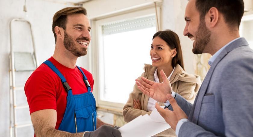 Możesz u nas również zamówić usługę sprawdzenia ekipy remontowej.