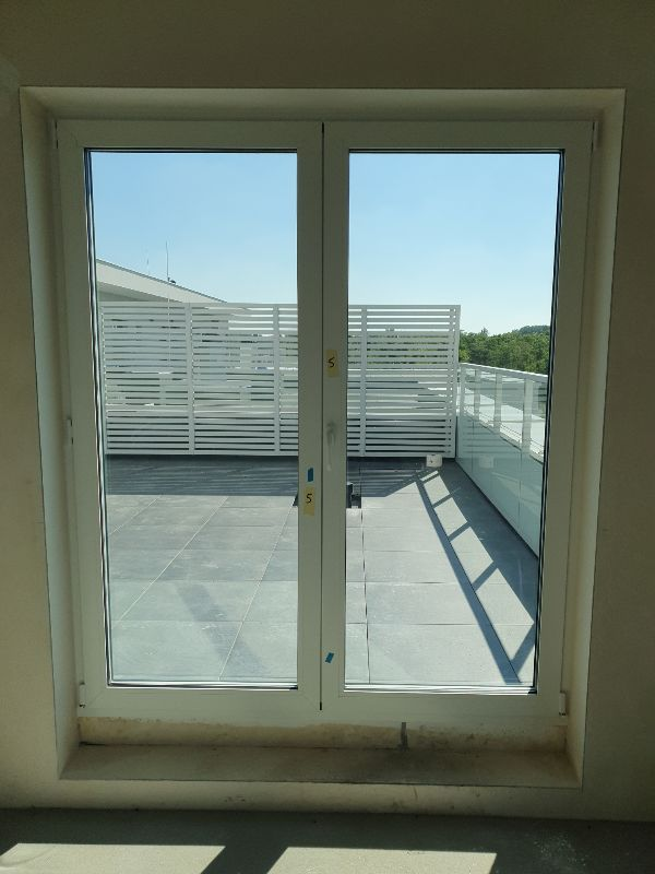 Regulacja okna, brak możliwości otworzenia lewego skrzydła na inwestycji Srebrzyńska Park