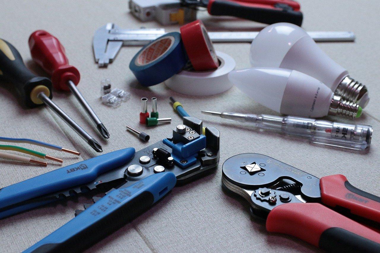 zdjęcie do W poniższym artykule podpowiadamy, jaki sprzęt jest potrzebny do odbioru mieszkania.