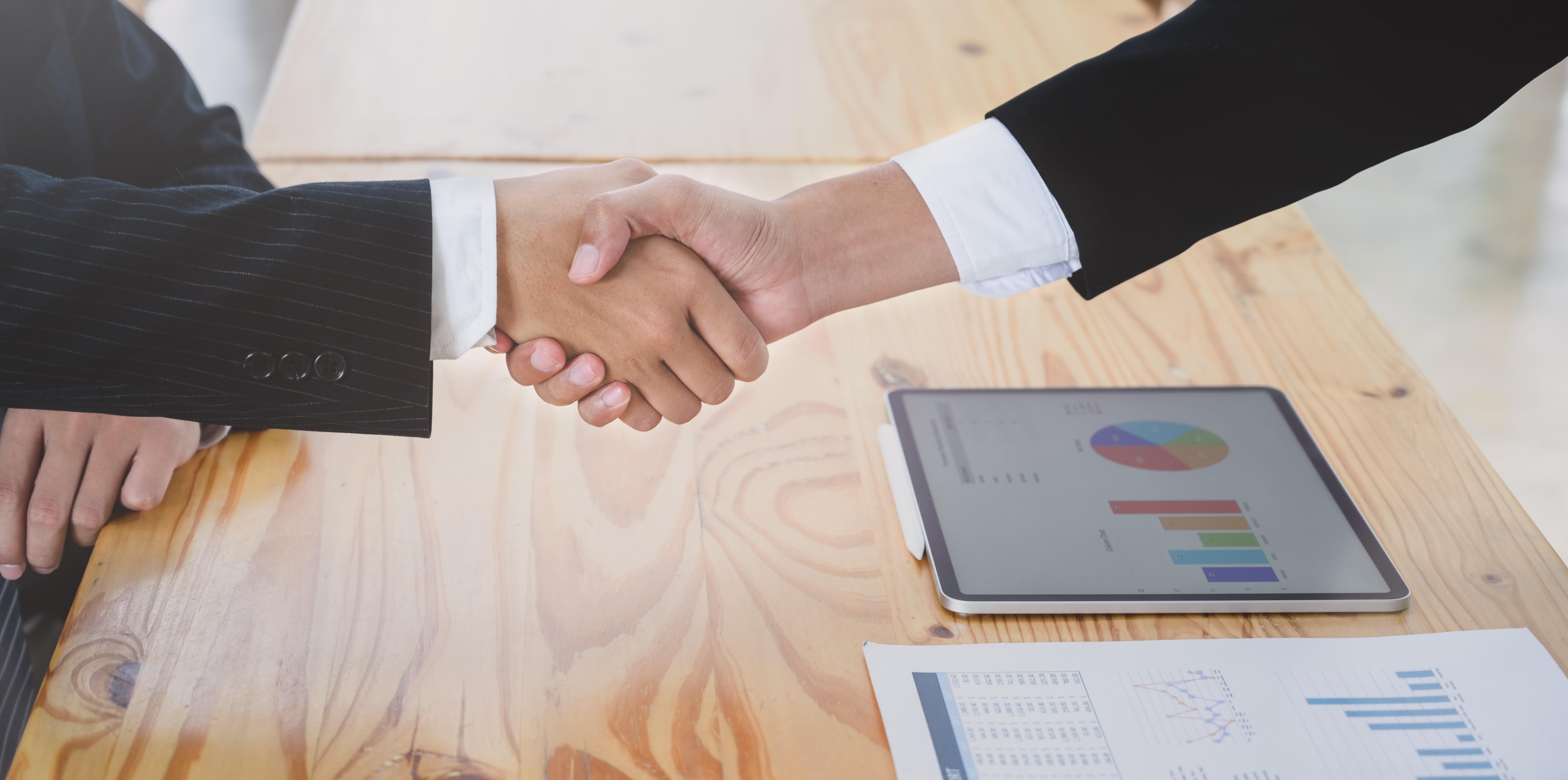 zdjęcie do W artykule podpowiadamy jakie terminy powinny znaleźć się w treści zawieranej umowy deweloperskiej poza tymi, które wymienia ustawa deweloperska oraz jak dokładnie opisać przedmiot umowy.
